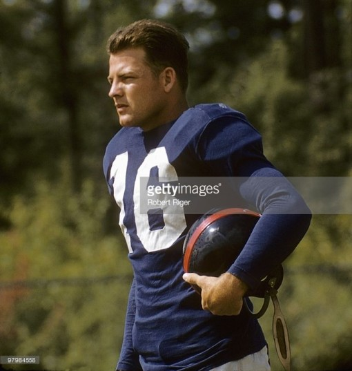 97984558-frank-gifford-of-the-new-york-giants-poses-gettyimages