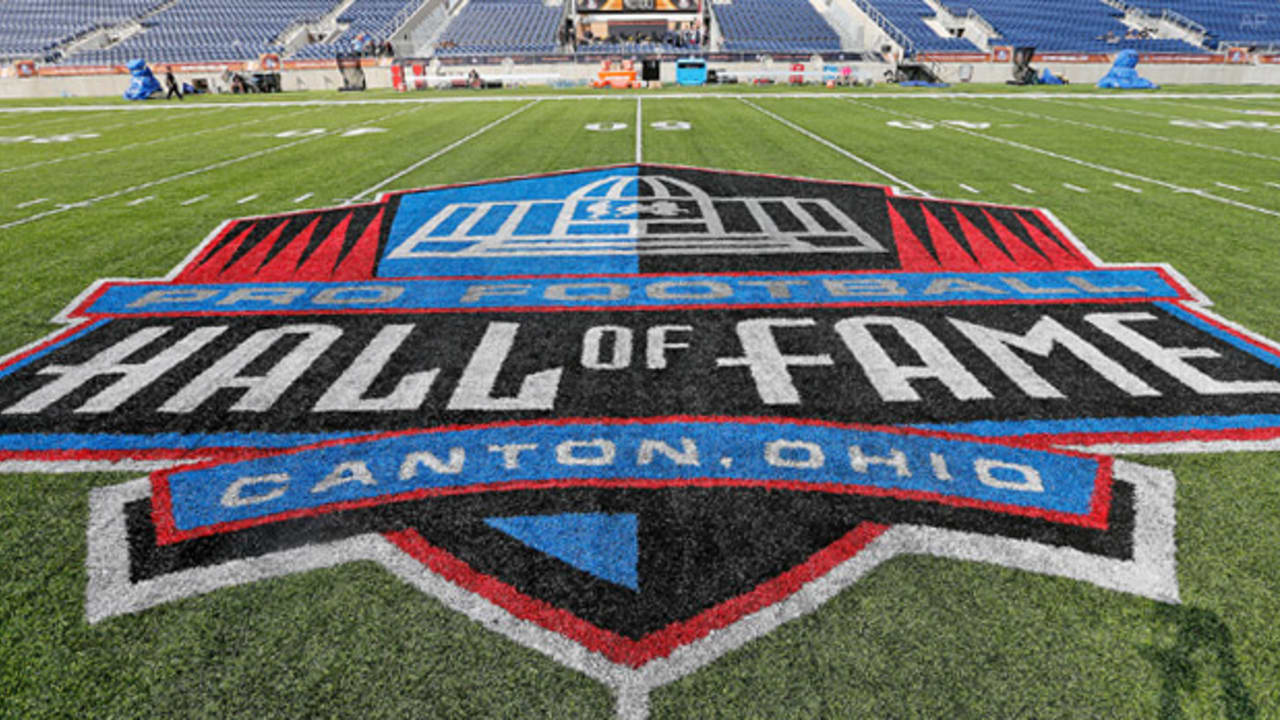 Hall-of-fame-game-field